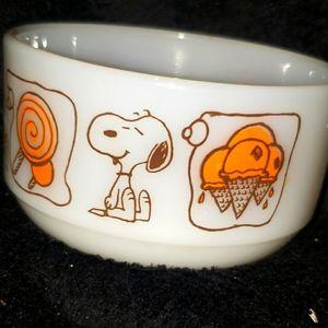 Peanuts snoopy bowl